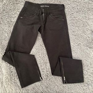 MISS SIXTY black ankle zip jeans